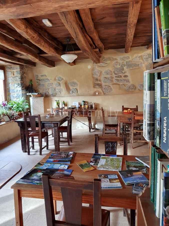 Biblioteca casa rural ecológica Kaaño Etxea